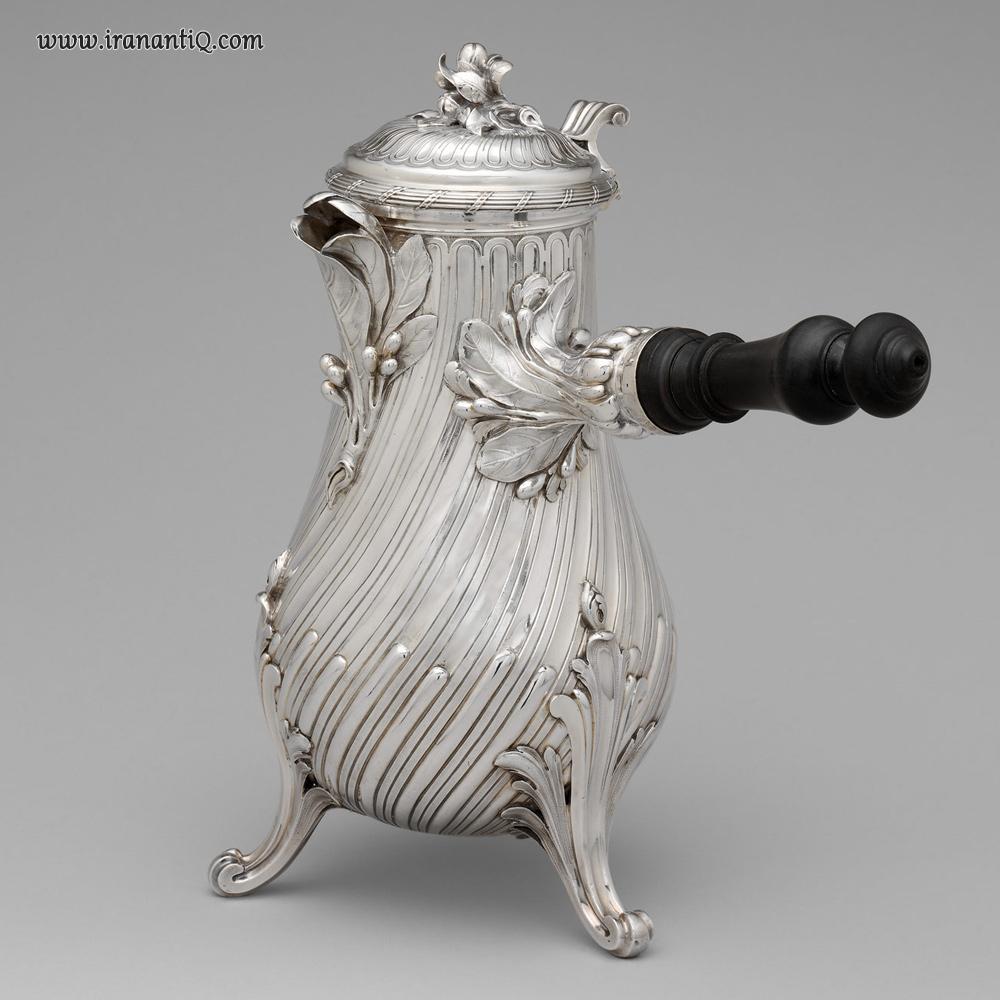 ظرف برای دم کردن قهوه ، از جنس نقره ، پاریس ، 1757 میلادی ، محل نگهداری : موزه متروپولیتن