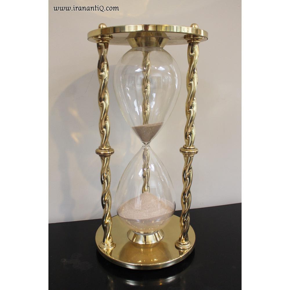 ساعت شنی ساخت فرانسه ، مربوط به اواسط قرن بیستم