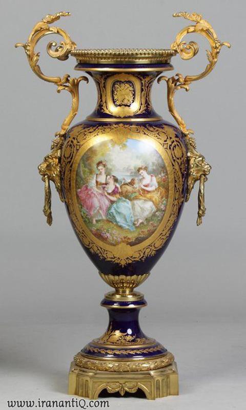 گلدان چینی با دسته های فلزی ، نقاشی شده با دست