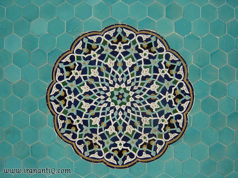 traditional tile ، نمایی از تزیینات مسجد جامع یزد ، حاشیه با نقش شش ضلعی منتظم