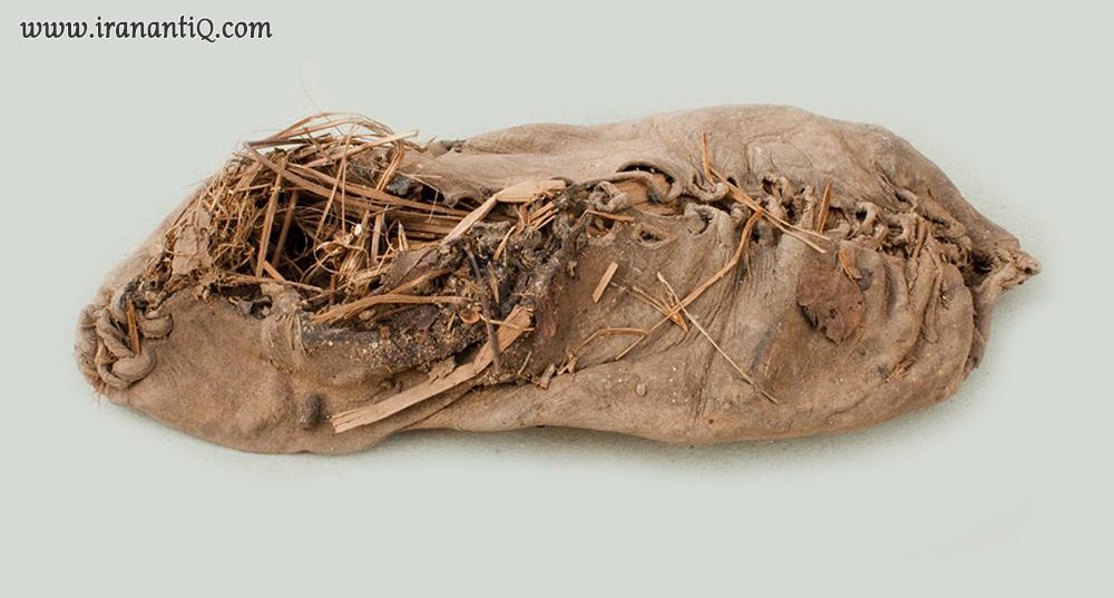 قدیمی ترین کفش چرمی جهان ، 5500 سال پیش ، کشف شده از غاری در ارمنستان