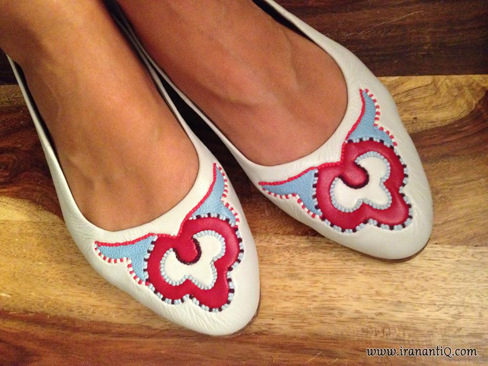 کفش چرمی ، تزئین شده به شیوه معرق