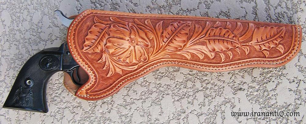 جلد اسلحه چرمی ، سراجی سنتی ، نقوش به شیوه نقش اندازی ضربی