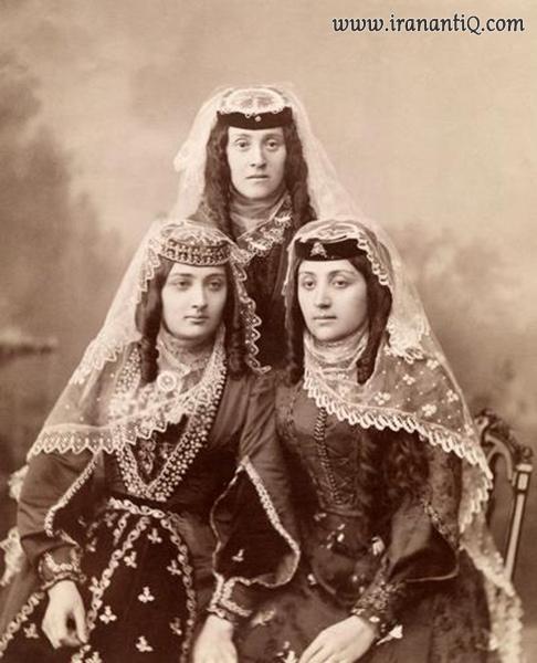 پوشاک زنان ارمنی ، عکس مربوط به سال 1890 میلادی
