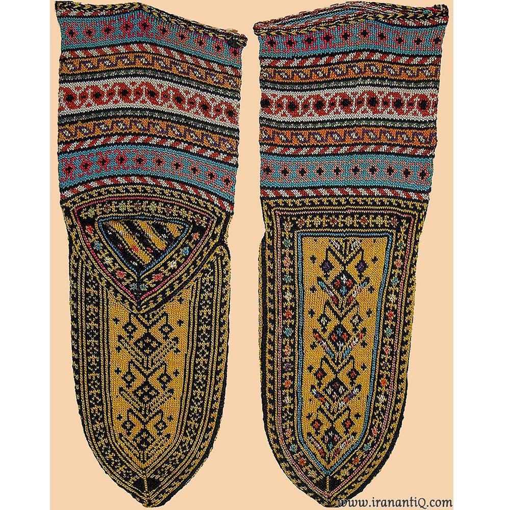 جوراب ابریشمی ، کردستان ، مربوط به سلسله قاجار ، 1795 - 1925 میلادی