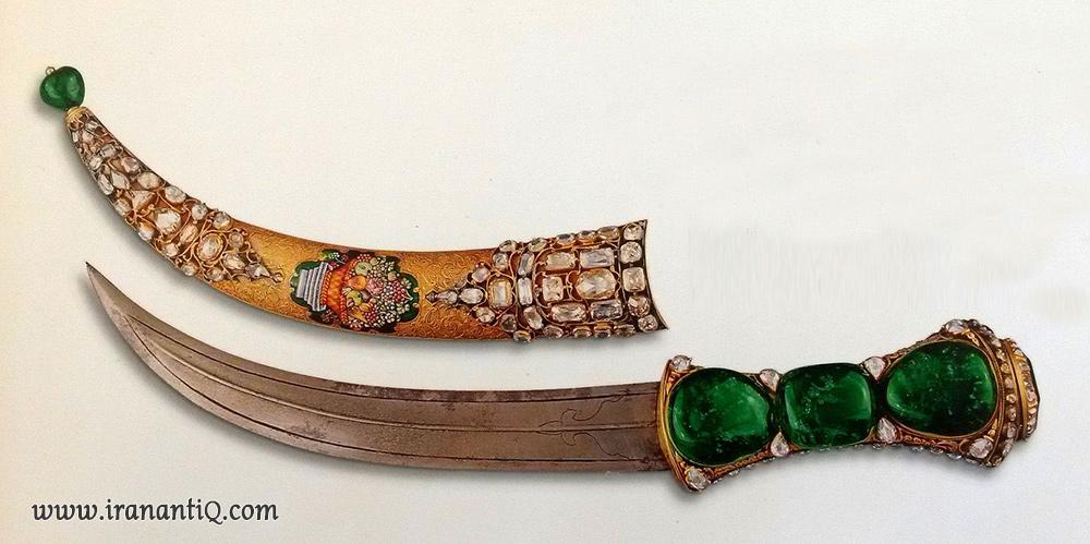 خنجر نادر شاه مرصع به زمرد ، مروبط به سال 1159 قمری /1746 میلادی ، موزه توپ کاپی استانبول