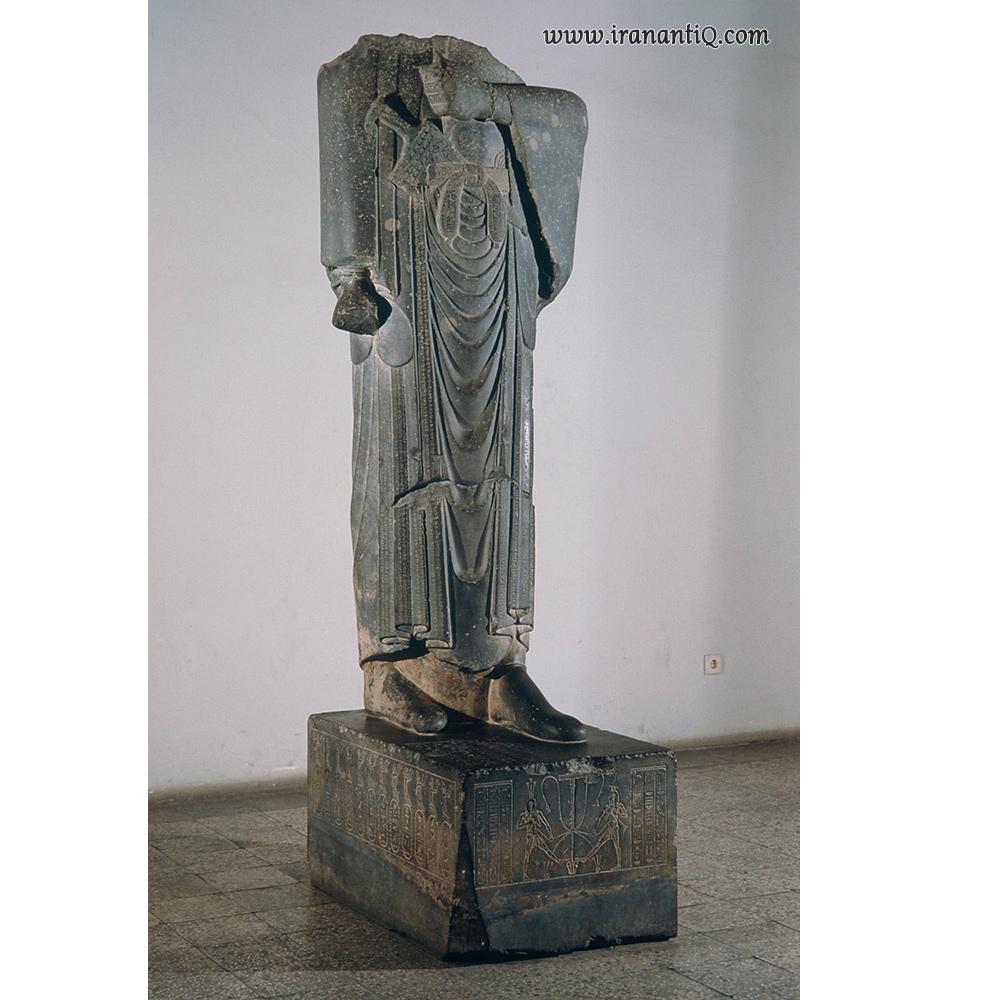 مجسمه داریوش اول - سنگ - موزه ایران باستان ، تهران