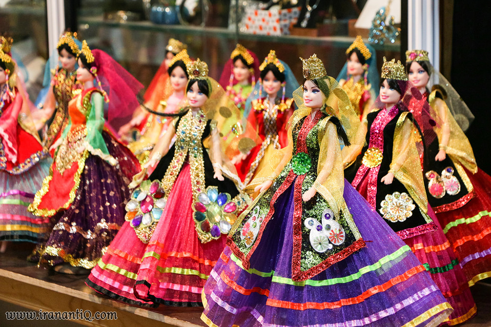 Bazzar Shiraz Travel Persia ، عروسک محلی ؛ بازار شیراز