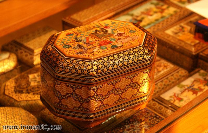 خاتم کاری روی صندوقچه ؛ هنر اصیل ایران