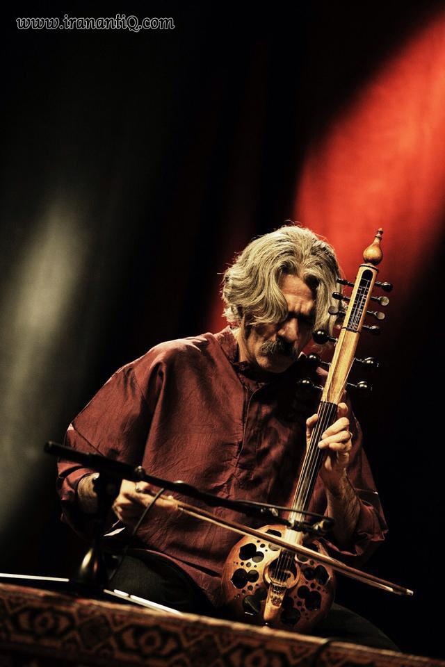کیهان کلهر ، نوازنده کمانچه