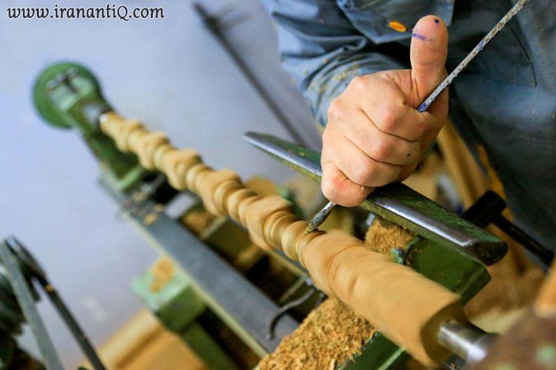 استادکار خراط در حال کار