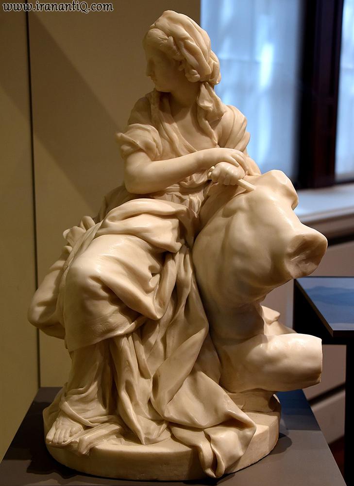 مجسمه ای اثر فالکونه ، 1746 میلادی ، موزه ویکتوریا و آلبرت ، لندن ، سبک روکوکو