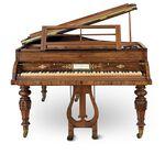 آلات موسیقی قدیمی و آنتیک musical instruments